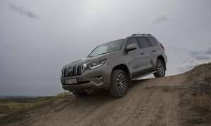 Recenze & testy: Toyota Land Cruiser 2,8 D‑4D: Muž, který nebyl