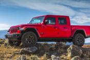 Jeep ukázal nový pick-up Gladiator. Stojí na základech Wrangleru.