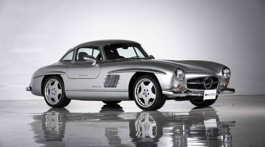 Novinky: Do aukce jde unikátní Mercedes 300SL AMG po brunejském sultánovi