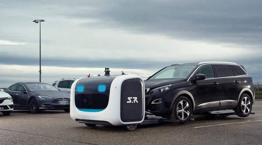 Novinky: Na letišti Gatwick za vás zaparkuje robot