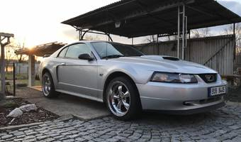 Ford Mustang GT Manuál 5st 2003