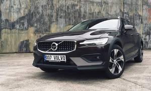 Recenze & testy: Volvo V60 CC D4: O úroveň výš