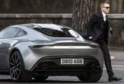 """James Bond dostane v příštím filmu """"ekologický"""" vůz"""