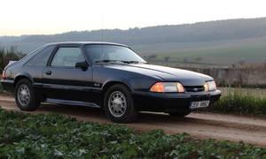 Recenze & testy: Ford Mustang Fox 5.0 V8: Síla na rameni