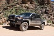 Toyota Tacoma V6 TRD Offroad: Takhle se dělá truck!