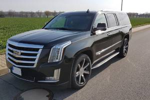 Cadillac Escalade ESV modelový rok 2016 2015