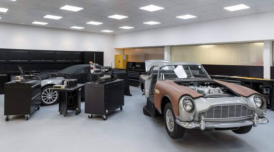 Novinky: Aston Martin nabízí DB5 se všemi vychytávkami agenta 007
