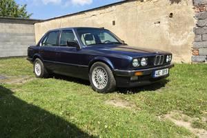 BMW Řada 3 E30 325i 1986