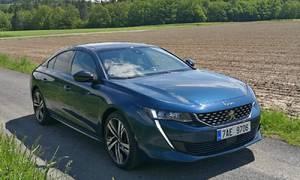 Recenze & testy: Peugeot 508 GT 225 EAT8: Střední třído, neodcházej!