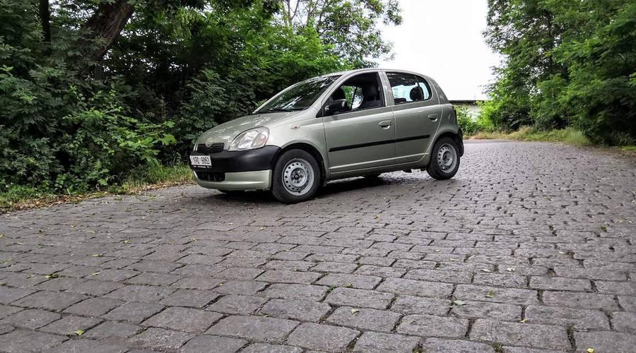 Autíčkářova garáž, Recenze & testy: Toyota Yaris 1.0  VVT-i (MY1999): Překvapivě dobrý