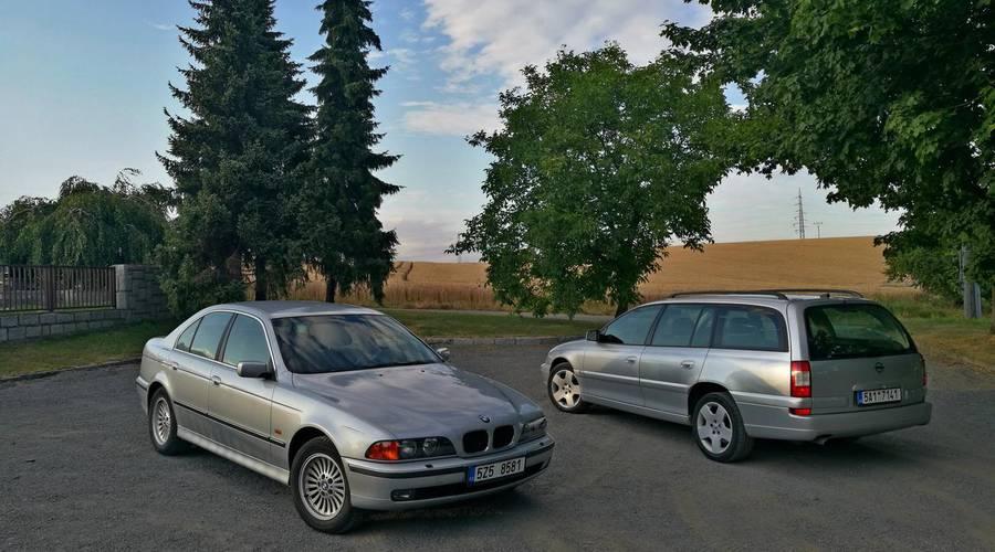 Historie: BMW 523i E39 vs Opel Omega 2.6 V6: To nejlepší z levných velkých zadokolek