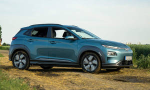 Recenze & testy: Hyundai Kona Electric Power: Naco Teslu...