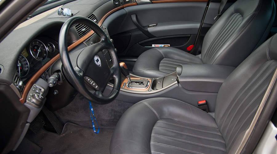 : Autíčkář se ptá: Jaký je nejlepší materiál čalounění sedadel?