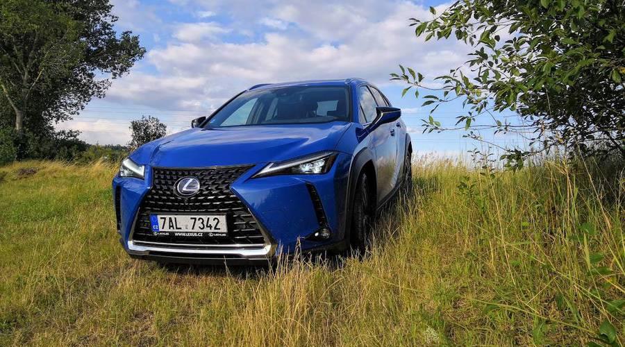 Recenze & testy: Lexus UX 250h: Rozmazlovat se je správné