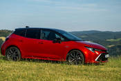 Toyota Corolla 1.8 Hybrid hatchback: Zpátky ni krok!