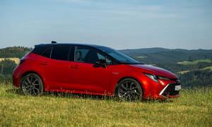 Recenze & testy: Toyota Corolla 1.8 Hybrid hatchback: Zpátky ni krok!