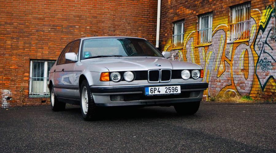 Historie, Recenze & testy: BMW 735i E32: Jako pan ředitel