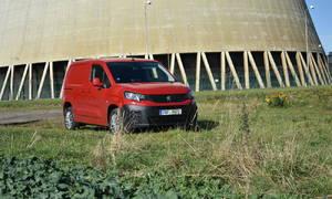 Recenze & testy: Peugeot Partner 1,5 BlueHDi 130: Přeplněná mysl v přeplněné kabině