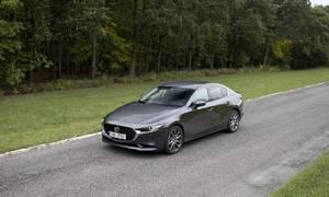 Recenze & testy: Mazda3 Sedan G122: Jsi tak krásná!