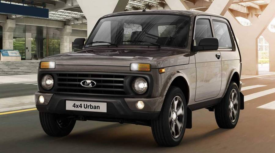 Novinky: Lada Niva prodělala facelift. Zvenčí není poznat, zevnitř posunul vůz do osmdesátých let.