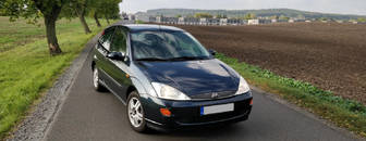 Ford Focus 1.4i klima el. okna STK 2021 2001