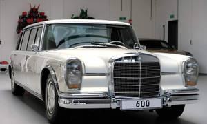 Novinky: Koupí Mercedesu 600 Pullman ušetříte bezmála milion eur. Teoreticky.