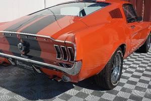 Ford Mustang FASTBACK/TOP STAV / Na cestě 1967