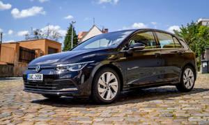 Recenze & testy: Volkswagen Golf 1.5 TSI First Edition: Chladný futurismus