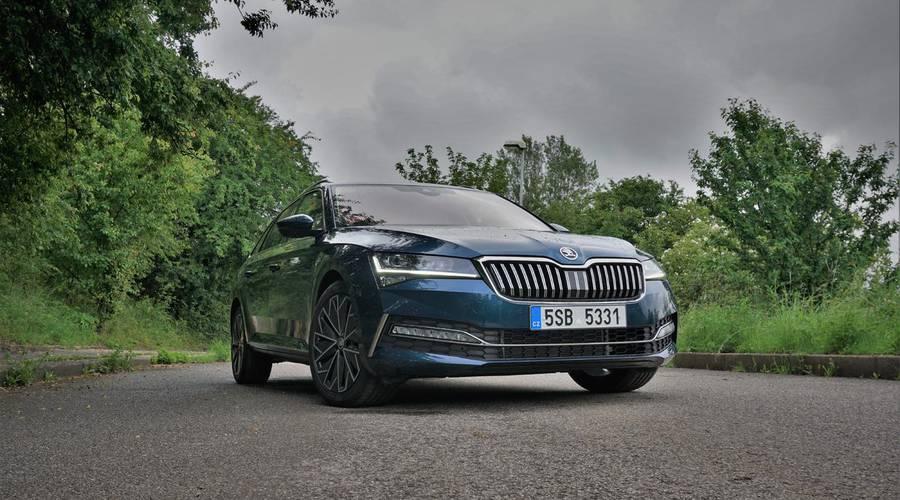 Recenze & testy: Škoda Superb Combi 2.0 TDI L&K: Společník pro každý den
