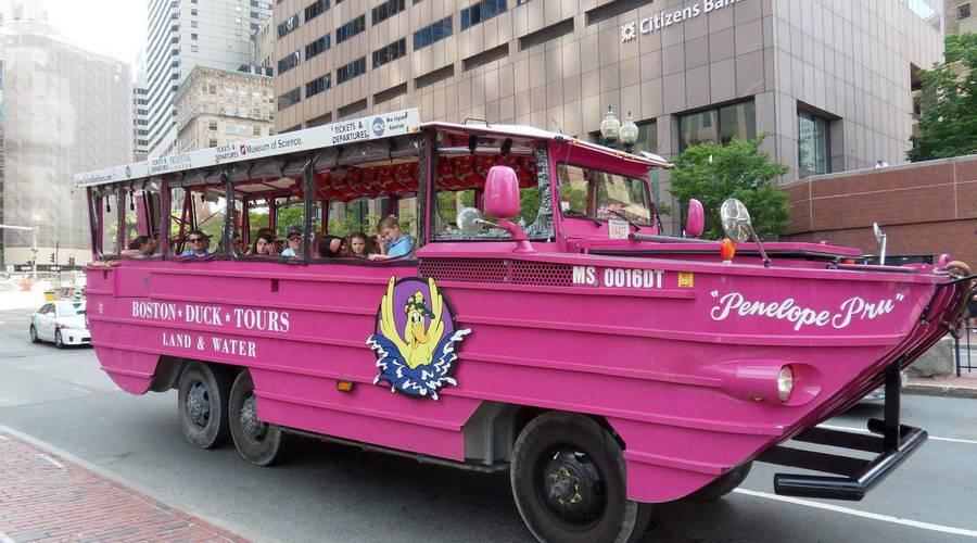 Historie: Kachní autobusy: Turistická atrakce s válečnou minulostí