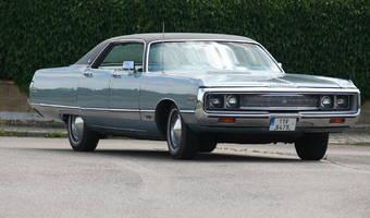 Chrysler New Yorker 4-door hardtop 1971