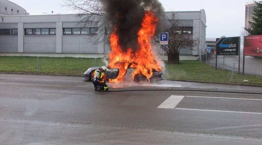 Co se kde děje?: Porsche 911 991 GT3 rádo hoří...