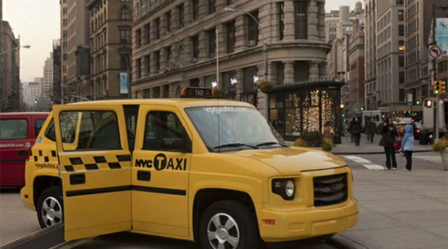Představujeme: Výrobce Humvee začíná s výrobou žlutých taxíků