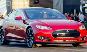Novinky, Představujeme: Tesla Model S P85D: Zabiják Hellcatů, co jezdí sám!