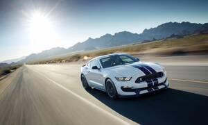 Představujeme: Shelby GT350: Mustang, který se Porsche nebojí