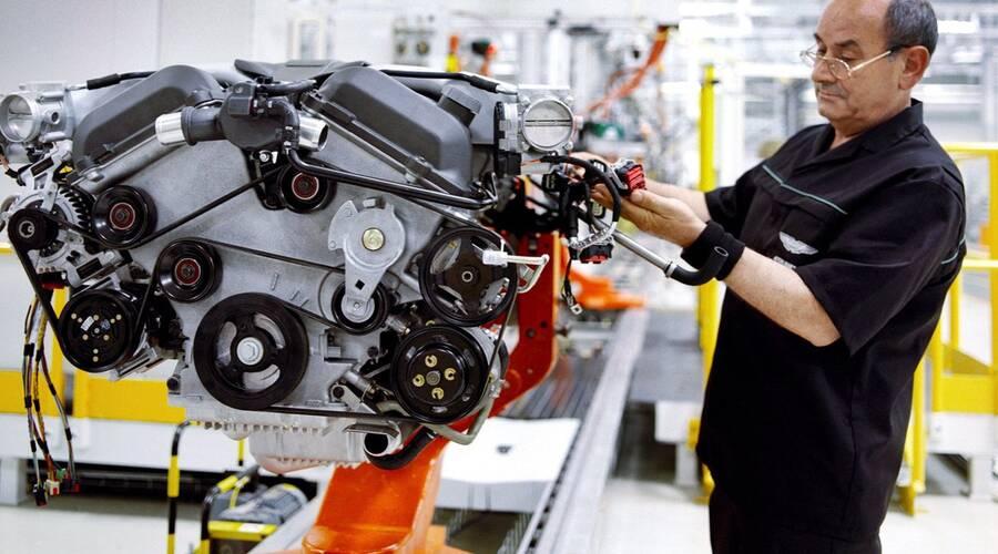 Autíčkář se ptá: Autíčkář se ptá: Je Aston Martin z Makedonie pořád ještě Aston?
