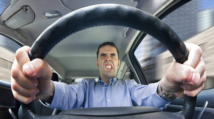 Editorial: Máte pocit, že vás na silnici všichni ohrožují? Začněte u sebe