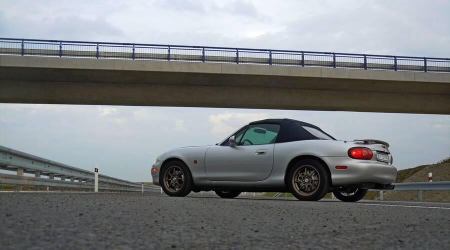 Recenze & testy: Mazda MX-5 1.8 Kompresor - Konečně rychlá Miata?
