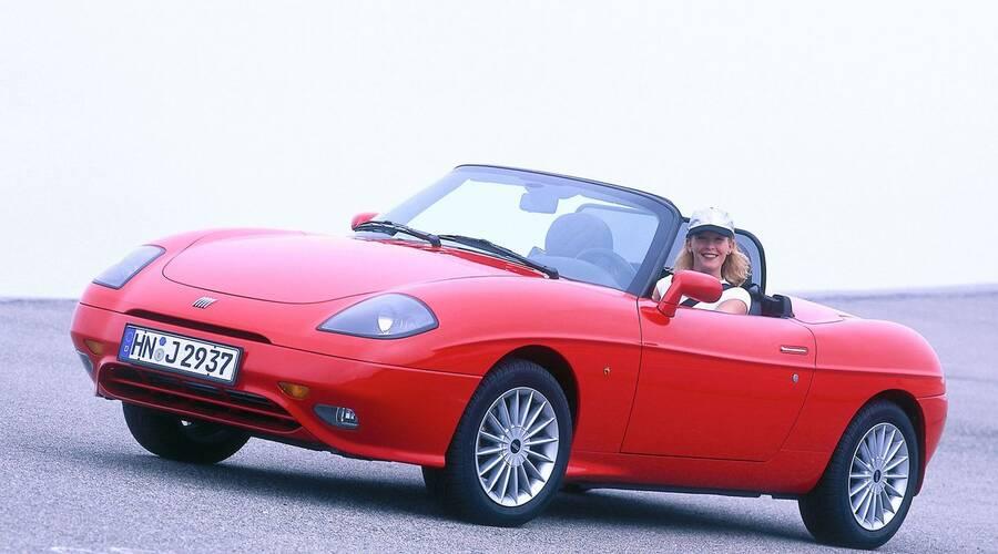 Bazarový snílek: Hrdinové za babku: Fiat Barchetta