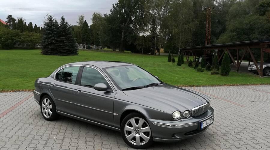 Recenze & testy: Jaguar X-Type 3.0 V6 - Za volantem opovrhovaného levobočka