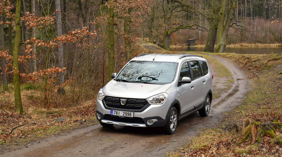 Recenze & testy: Dacia Lodgy Stepway 1.6 sCe: Hrníček od peří