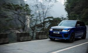 Novinky: Range Rover Sport SVR překonal Ferrari na horské silnici v Číně
