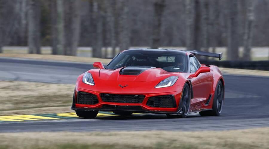 Novinky: Corvette ZR1 patří mezi nejrychlejší zadokolky planety. V přímce jede strašlivě