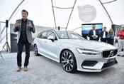Volvo V60: Kombík je zpět!