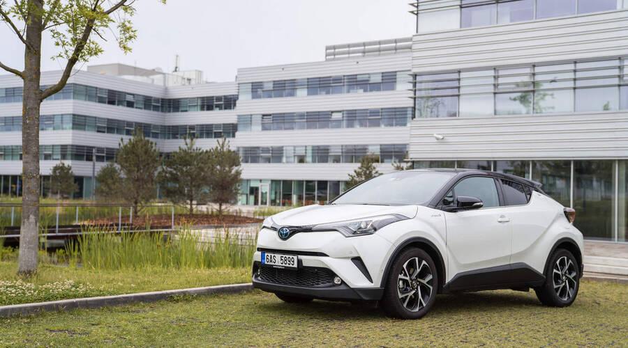 Recenze & testy: Toyota C-HR Hybrid: Velká hybridní revoluce?