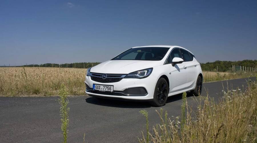 Recenze & testy: Opel Astra 1.6 Turbo: Jedno auto pro všechny