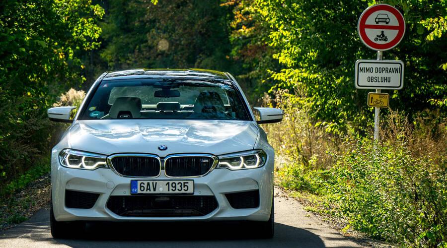 Recenze & testy: BMW M5: Strach, rychlost a láska