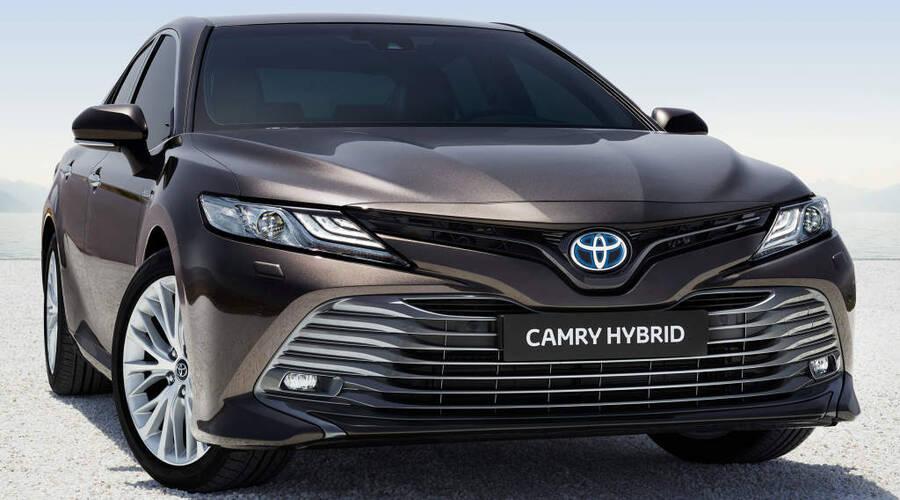 Editorial: Přichází nová Toyota Camry. Má u nás ale budoucnost?