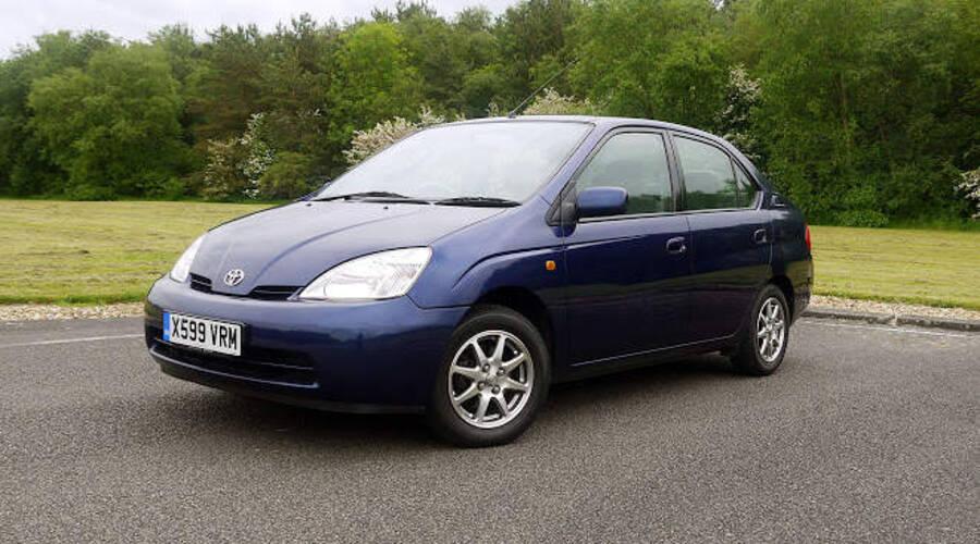 Novinky: Proč Toyota nevyrábí elektromobily?