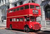 """AEC Routemaster: Nejklasičtější z """"dvoupatráků"""""""